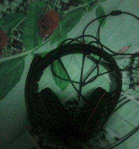 Наушники с микрофонов
