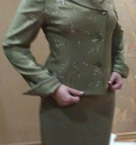 Женский костюм 46-48