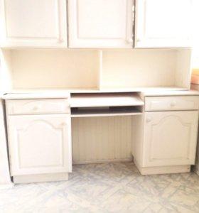 Письменный Стол + подвесной шкаф.