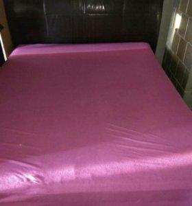 Продаётся двухспальная кровать с ортопед. матрасом