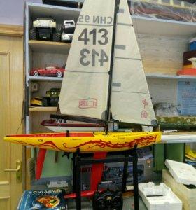 Модель яхты радиоуправляемая
