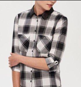 Новая рубашка, стильная с кожаным воротником