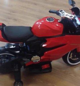 Мотоцикл электромобиль красный 001 с амортизатором