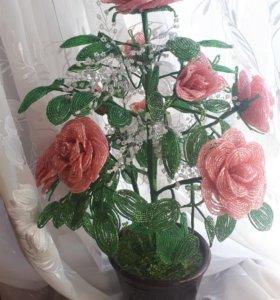 Роза из бисера. Ручная работа. Рост 57-60 см.
