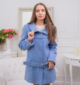 Пальто голубое