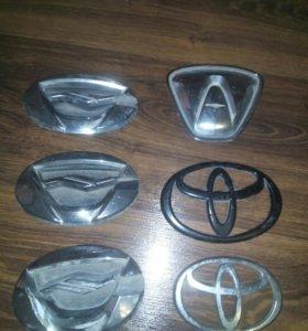 Toyota оригинальные эмблемы