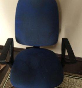Компьютерный стол+ кресло