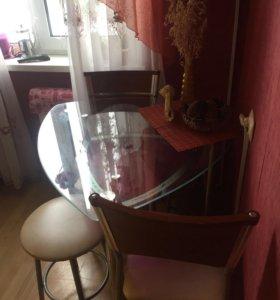 Стеклянный кухонный стол!!!