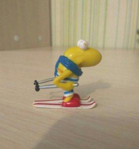 """Игрушка """"Кузя"""" лыжник"""
