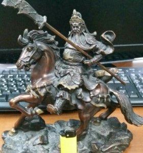 Бронзовая статуэтка бог Гуань Юй