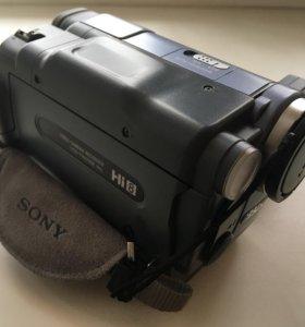 Видеокамера Sony CCD-TRV228E