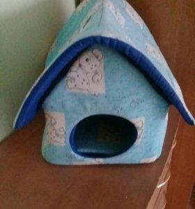 Домик для кошки или для маленьких собачек.
