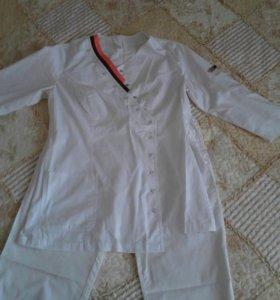 Фирменный медицинский костюм