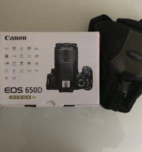 Новая зеркальная камера Canon EOS 650d + чехол
