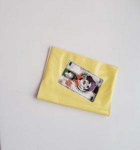 Обложки для паспорта и ножи кредитки.