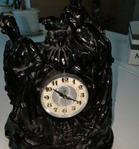 Старинный часы