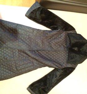 Куртка женская (размер s)