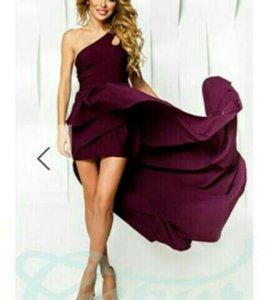 Платье новое,размер 42