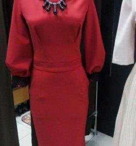 Шикарное платье, длина миди