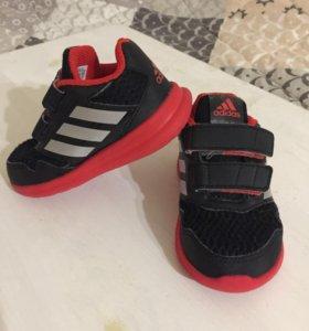 Детские кроссовки Adidas 21-22 р
