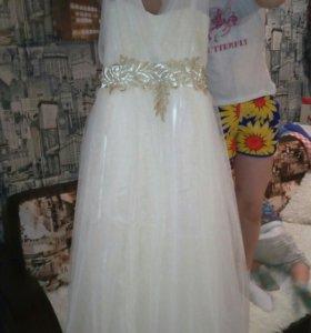 Продам платье для любого торжества