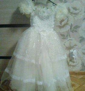 Нарядные платья на девочку 8-9 лет