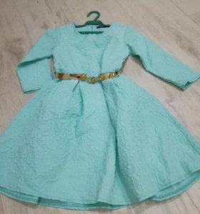 Платье на девочку, рост 152