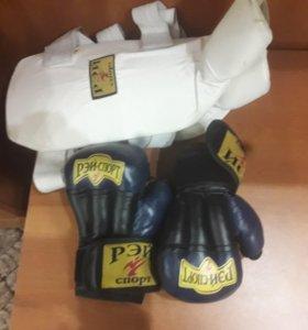 Защита голени и перчатки для рукопашного боя