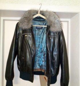 Женская куртка новая экокожа р.46-48