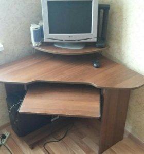 Стол помпьютерный