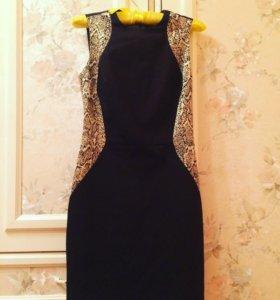 Платье чёрное с золотыми вставками размер 42