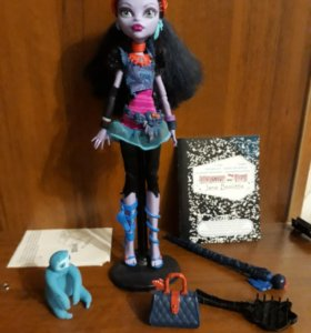 Monster High- Джейн Булитл