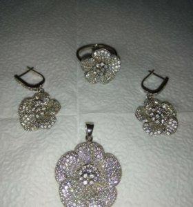 Комплект из серебра, кольцо, подвеска, серьги