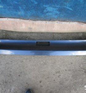 Накладка задней двери багажника Honda CR-V 3