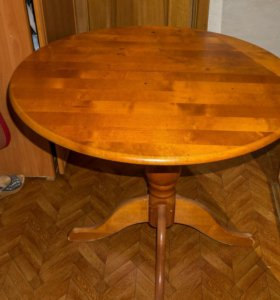 Стол, 4 стула и 4 табуретки из дерева