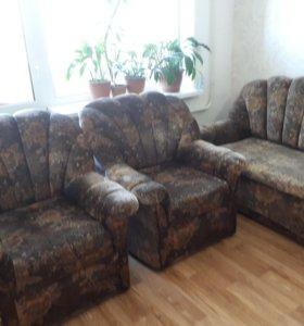 Продается набор мягкой мебели