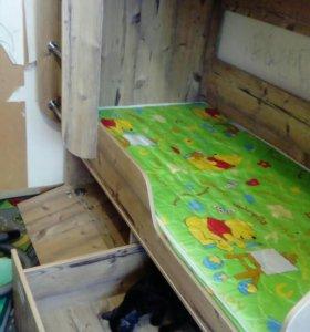 Двух ярусная кровать