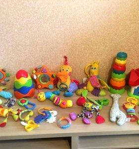 Фирменные детские игрушки 0-18мес