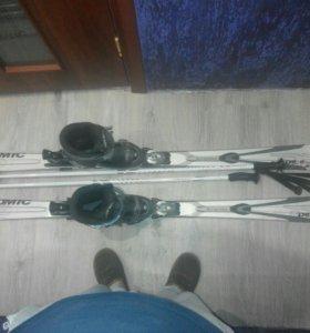 Горные лыжи atomic ботинки 44 размера крепление.