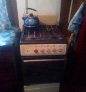 Газовая 4х к. плита с духовкой в рабочем состоянии