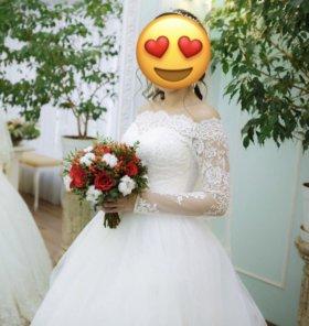 Свадебное платье,фата,кольца,украшения