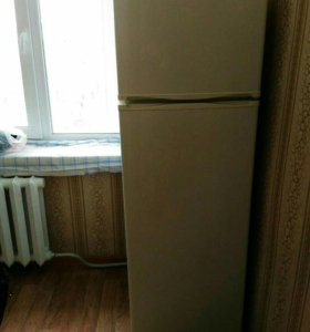 Холодильник 2016г.