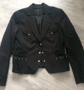 Костюм(пиджак и бриджи) Nelva