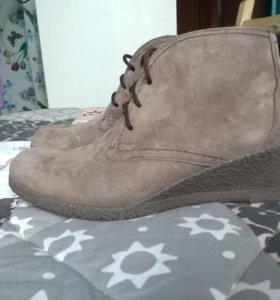Новые замшевые ботинки Tervolina