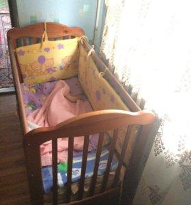 Кровать деревянных +борты+матрас