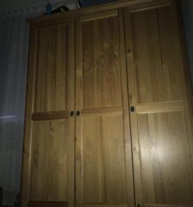 Шкаф в идеальном состоянии брали в ikea, дерево