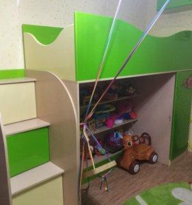 Детская кровать чердак ( лакированная ) + матрас