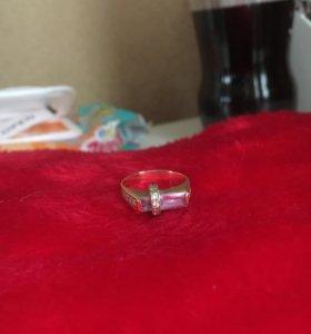 Кольцо проба 585 сделано под печатку камни фианиты