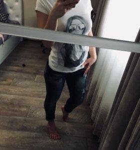 Футболка ,джинсы