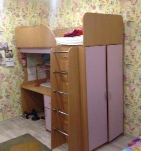Кровать чердак+ стол+шкаф